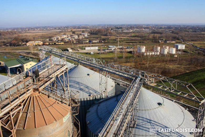 Силосы предприятия «Зерновая индустрия»