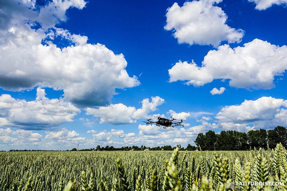 Испытание нового дрона на полях компании «Кернел»