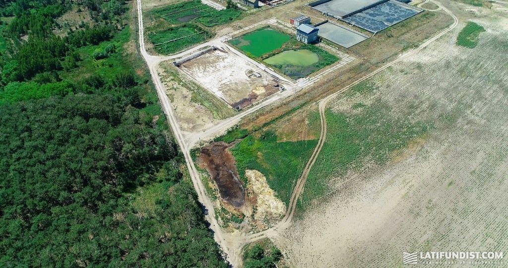 Загрязенные поля рядом с комплексом «Агромарс»