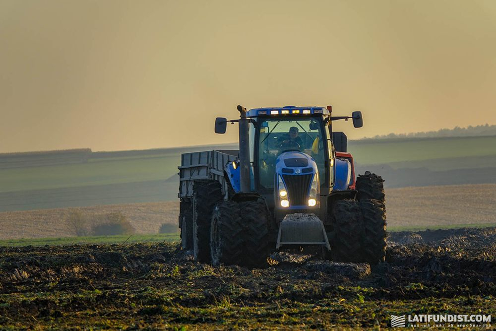 Sugar beet harvesting campaign at Medobory structural division of Agroholding 2012