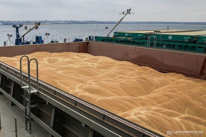 За время президентства Порошенко урожай и аграрный экспорт синхронно росли. Украина даже вошла в тройку мировых экспортеров зерновых