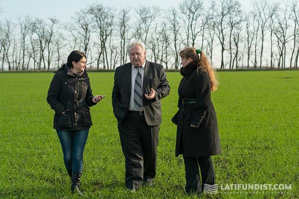 Николай Чепижак, директор департамента растениеводства Genero Group, и корреспонденты Latifundist.com