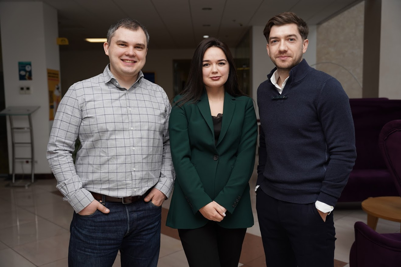 Слева на право: Александр Нос, Леся Швец, Юрий Шлончак