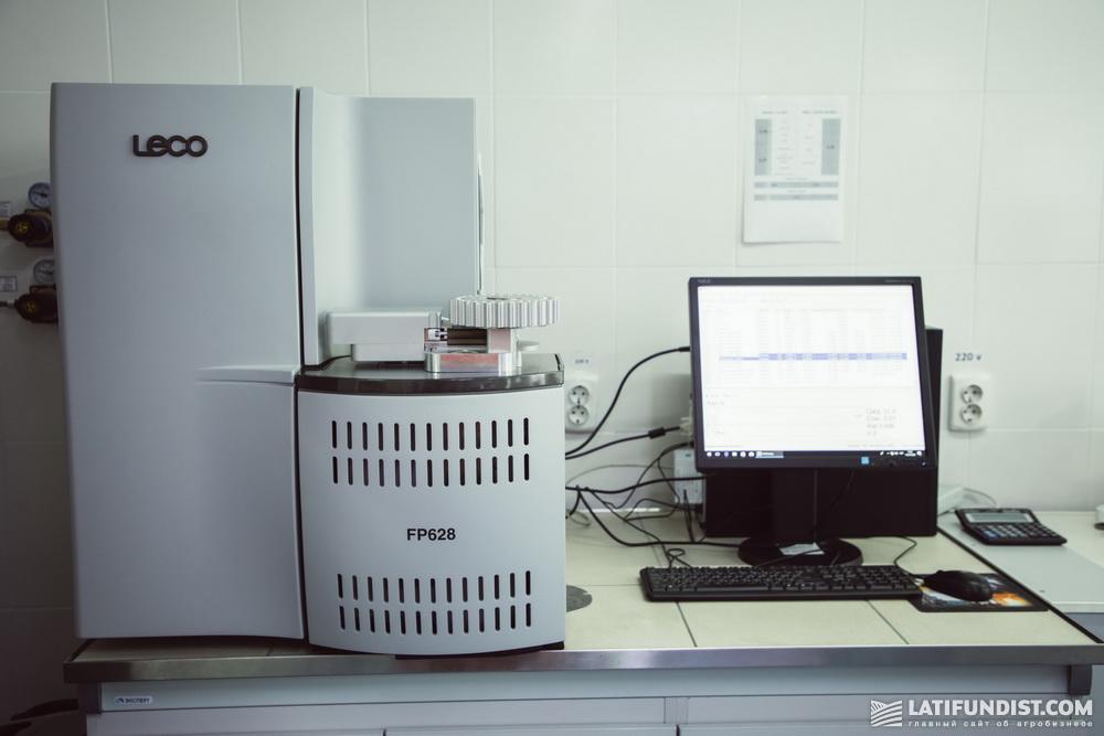 Анализатор азота/протеина в жидких и твердых образцах (определение протеина методом Дюма)