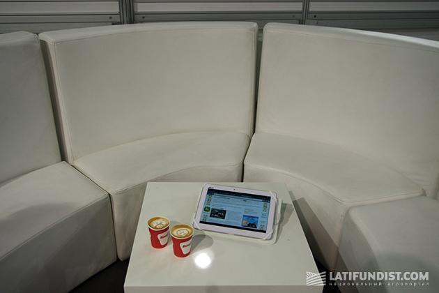 Предлагаем сегодня выпить традиционный кофе в необычном месте - на стенде Корпорации AGCO