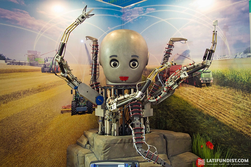Робот на выставке Agritechnica-2015