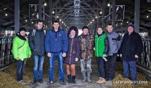 Команда агроэкспедиторов с тружениками предприятия «Витчизна»