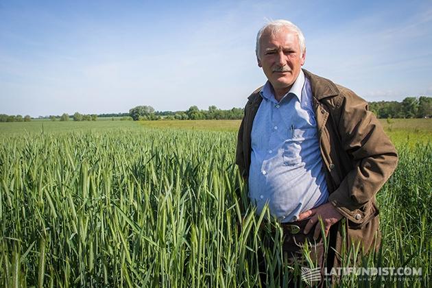 Агроном «Черниговского племпредприятия» Михаил Бондарь