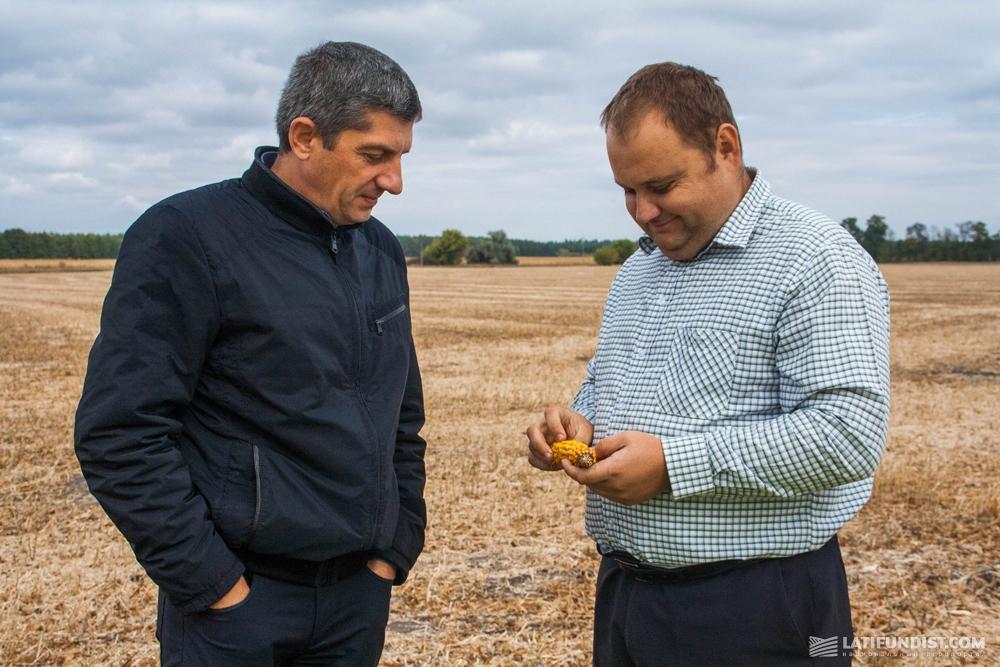 Юрий Хроменко, представитель «КВС-УКРАИНА» и Владимир Филимонов,  региональный представитель Bayer в Черкасской области
