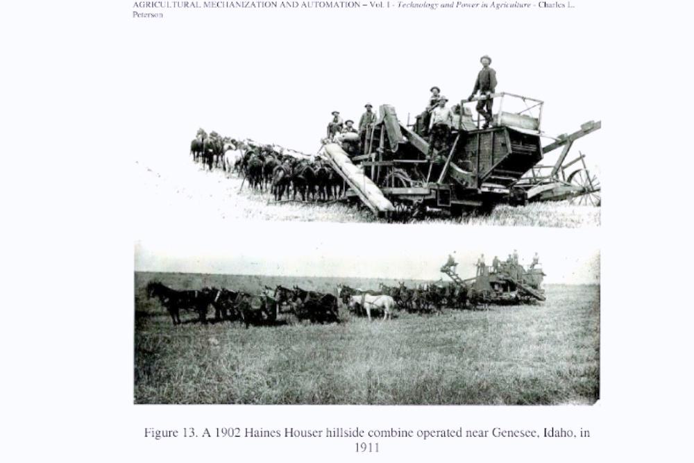 Комбайн для работы на склонах. Для работы необходимы 26 лошадей и 6 человек.
