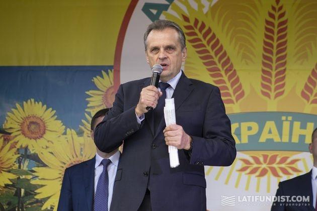 Леонид Козаченко, президент Украинской аграрной конфедерации (УАК), народный депутат Украины, председатель «Аграрного объединения» в ВРУ