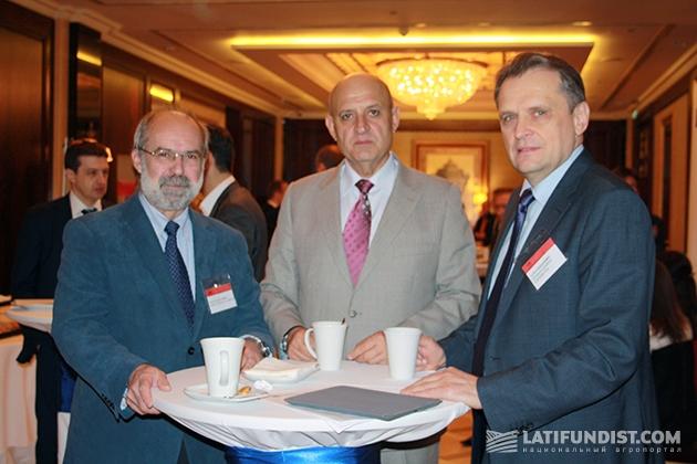 Слева-направо: Жан-Жак Эрве, Сергей Стоянов, Леонид Козаченко
