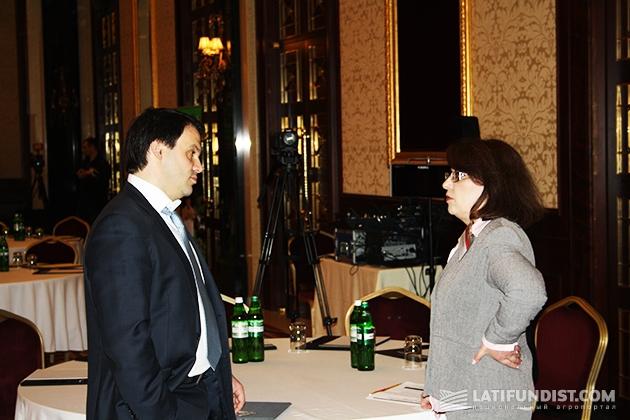 Слева-направо: Юрий Давыдов и Елена Волошина
