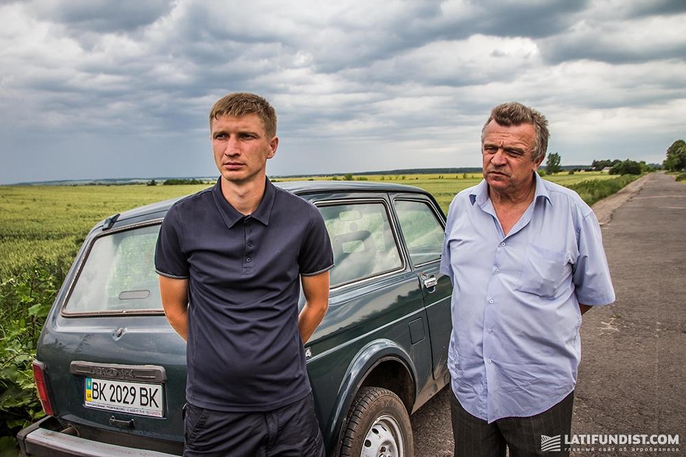 Александр Талимончук, агроном предприятия «ИДЕК-2006» и Александр Гаврилюк с предприятия «Плюмпе Агро»