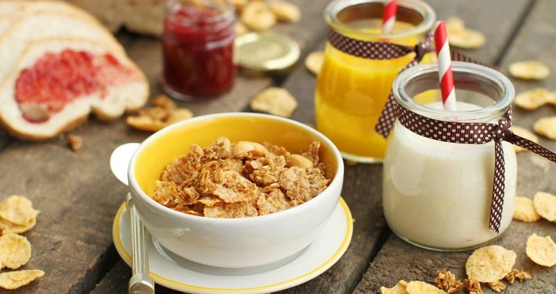 Области применения технологий экструзии включают производство готовых завтраков
