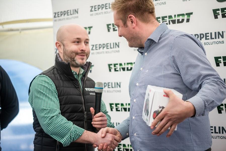 Алексей Копылов, менеджер по развитию бизнеса Fendt корпорации AGCO (слева) и Эсбен Нилсен,  главный инженер «Агро ЛВ Лимитед» (справа)