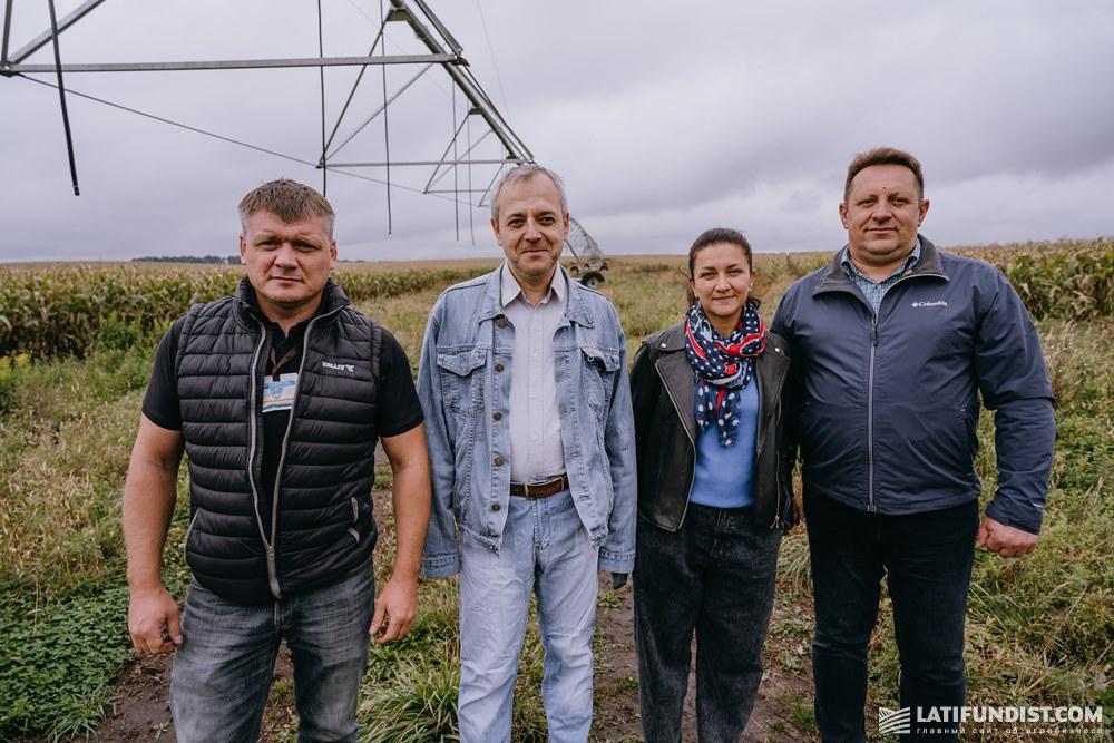 Эксперты Гидротура с Олегом Гаврищуком на поле предприятия «Проминь»