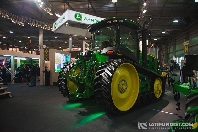 Трактор 8RT