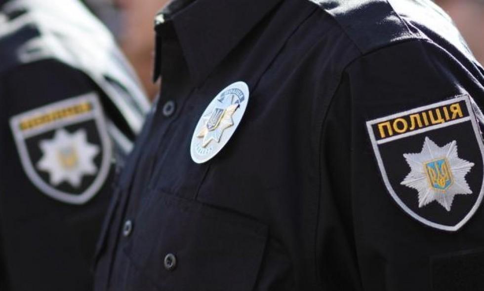 На некоторых элеваторах стоит охрана полиции, на некоторых — ГФС, на остальных — частная охрана от банков