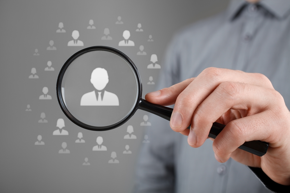 Для проверки иностранных контрагентов лучше привлекать местных юристов. У них есть доступ к соответствующим базам данных и реестрам, они смогут проверить данные на местном языке