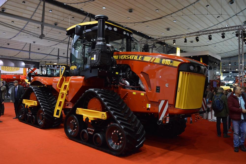 Трактор VERSATILE 610 DeltaTrack на выставке Agritechnicа 2017 в Ганновере