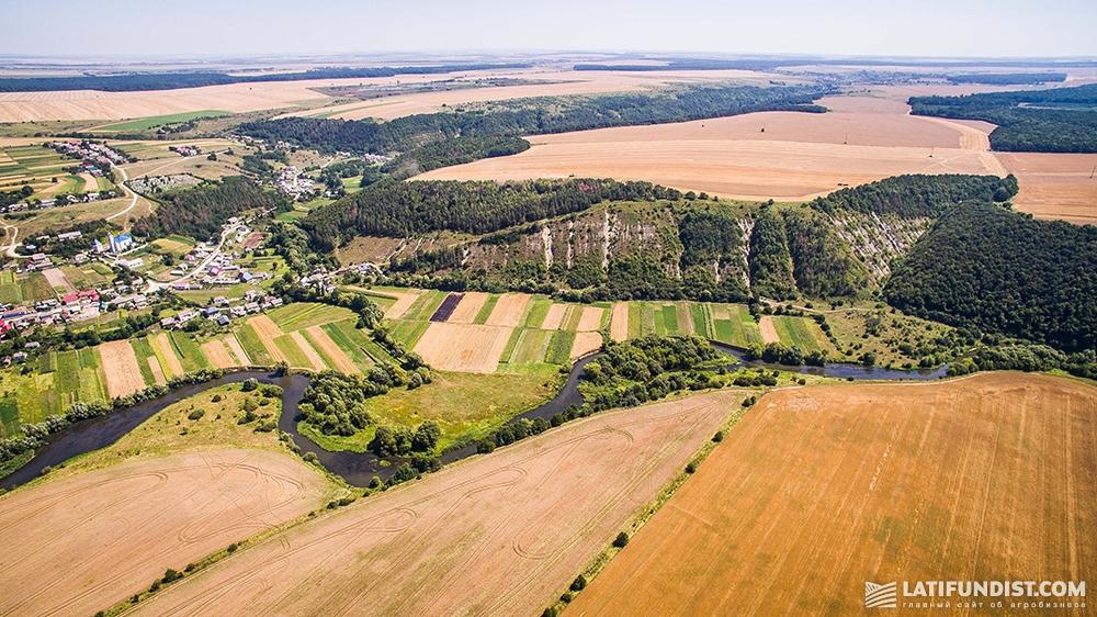 Размер участка фермерского хозяйства значения не имеет и иногда может достигать сотен тысяч га