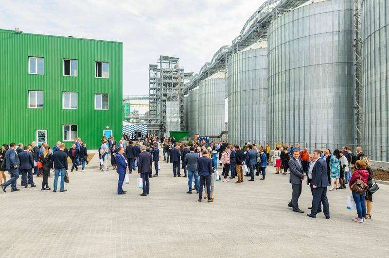 На открытии зернового терминала