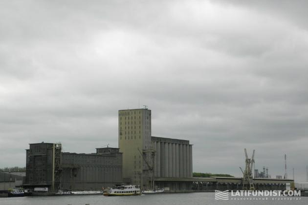SAMGA. Портовый элеватор Антверпена