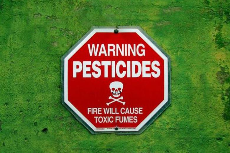 Если пестицид не зарегистрирован в стране-производителе и ни в одной другой стране мира, он вполне вероятно может нанести вред экологии Украины