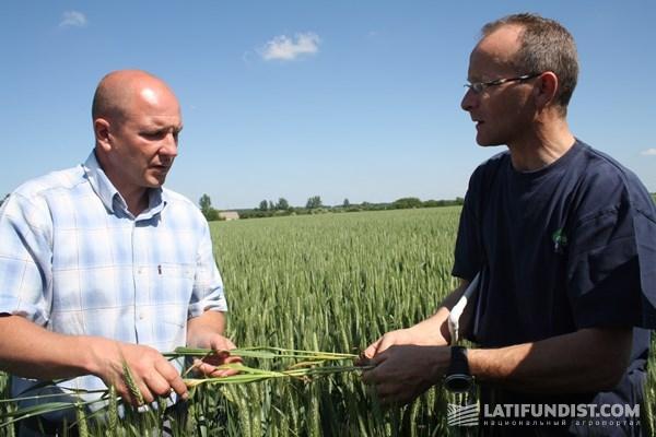 Главный агроном Докучаевских черноземов Валерий Демидко и французский агроном Люк Лоран