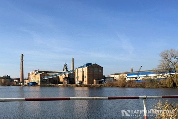 Вид на Ждановский сахарный завод