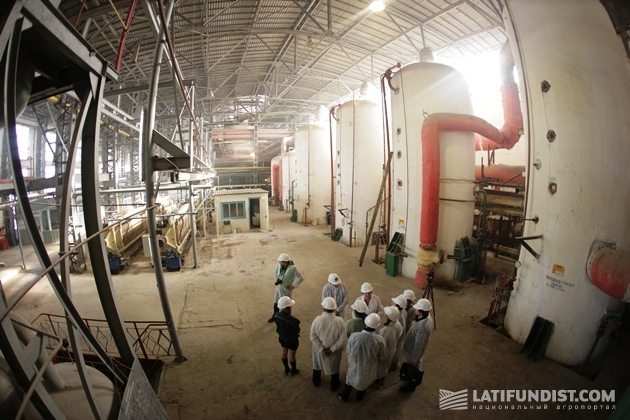 Завод был построен в далеком 1846 году. Тем не менее, выглядит он и сегодня аккуратно и ухожено