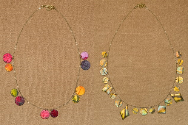 Ассотимент ожерелий диктуется материалом