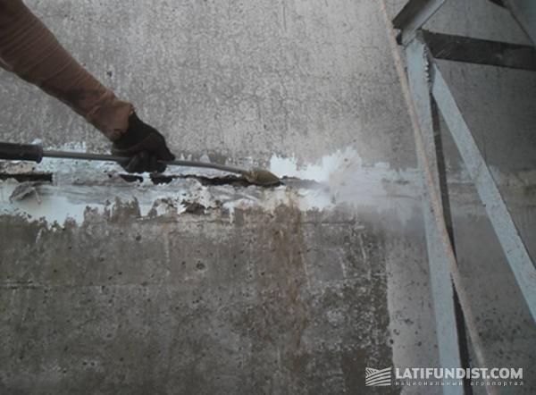Фото 7. Гидроструйная очистка с рабочим давлением 230 атм
