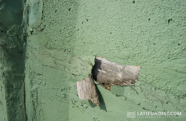 Тонкий слой цементно-песчаного раствора на панели СОГ. Раствор не должен выходить за границы шва на поверхность СОГ