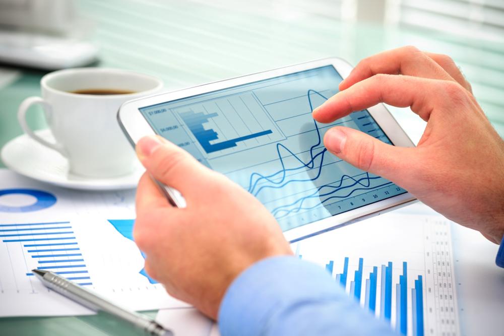 Прогнозирование — это изучение рынка и его тенденций, анализ действий конкурентов, их достижений, а также их долгосрочных и краткосрочных планов