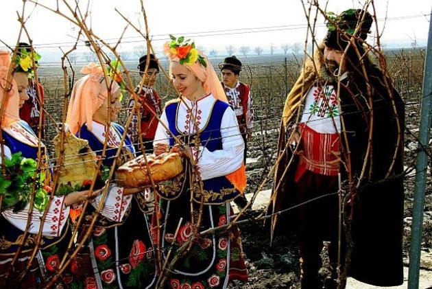Болгары считают, что только тот, кто умеет хорошо праздновать, способен и трудиться на славу