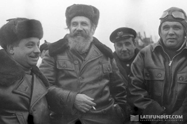 О. Шмидт, Д. Папанин, М. Водопьянов
