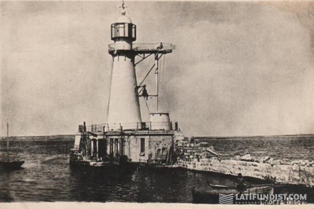 Так выглядел Воронцовский маяк в 20-е годы XX века
