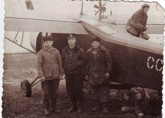 Фотографии Як-12 в сельхозварианте - большая редкость.