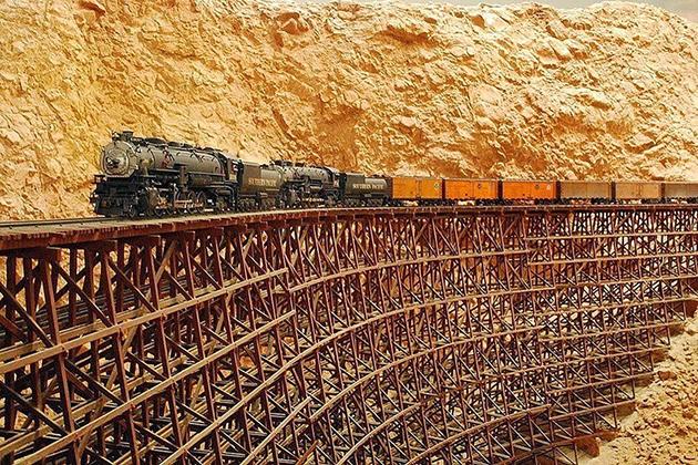 Один из мостов «Невозможной железной дороги».