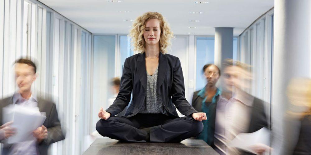 Речь идет о способности управлять своими эмоциями в зависимости от целей и обстоятельств, в которых находится человек