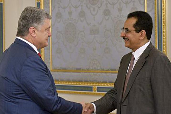 Петр Порошенко, президент Украины и Халед Аль-Абуди, управляющий директор Salic