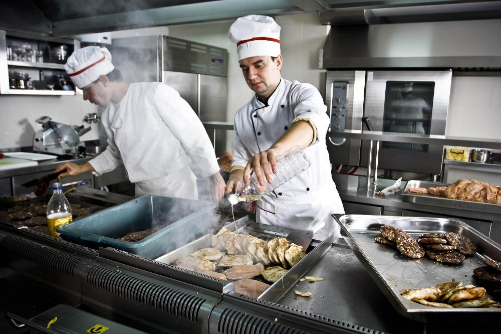 Сейчас в «УКРПРОМИНВЕСТ-АГРО» пользуются услугами аутсорса для обеспечения питания сотрудников