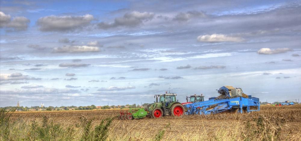 Уборка урожая в поле Линкольншира