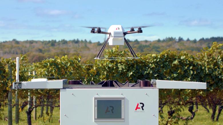Запуск дрона от American Robotics