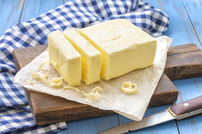 Появление нового продукта, претендующего на часть традиционного рынка молочников, вызвало резкое противодействие