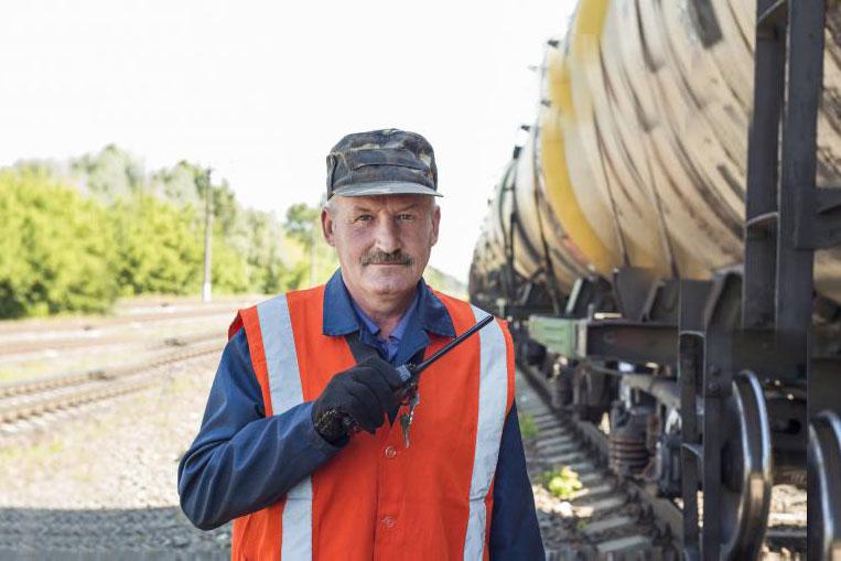 Мы можем жестко дисциплинировать железнодорожников, но мы не можем дотянуться до всех причастных лиц