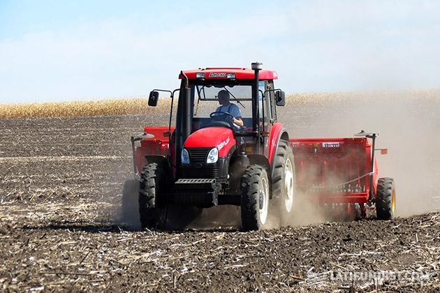 Китайский трактор YTO