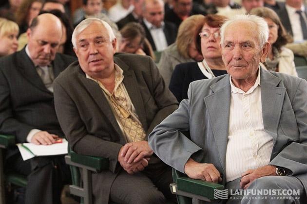 Делегаты четвертого внеочередного съезда Аграрной партии Украины